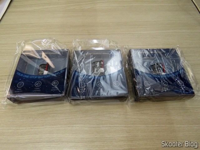 Cameron Bell batteries CS-SP115SL for Playstation Move Motion Controller (SONY CECH-ZCM1E - LIS1441), in their packaging.