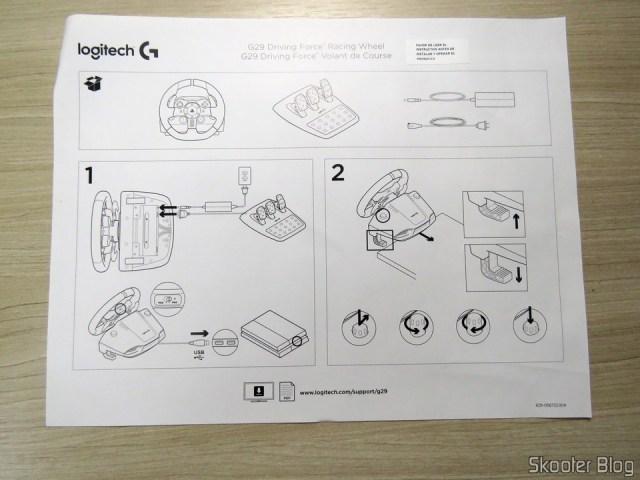Folhetos que acompanham o Volante de corrida Driving Force Logitech G29