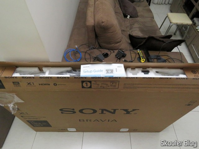 Sony XBR TV-55X905E 4 k, on its packaging.