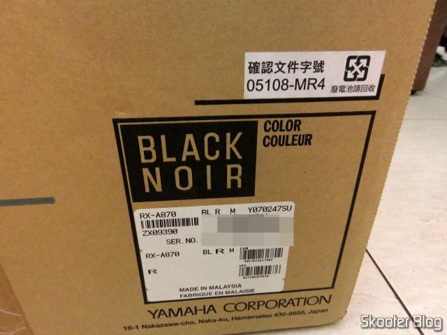 Receiver Yamaha Aventage RX-A870, em sua embalagem.