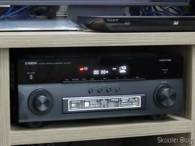 Receiver Yamaha Aventage RX-A870 reproducing content Dolby Digital Plus.