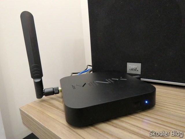 Minix NEO U9-H, instalado e em funcionamento.