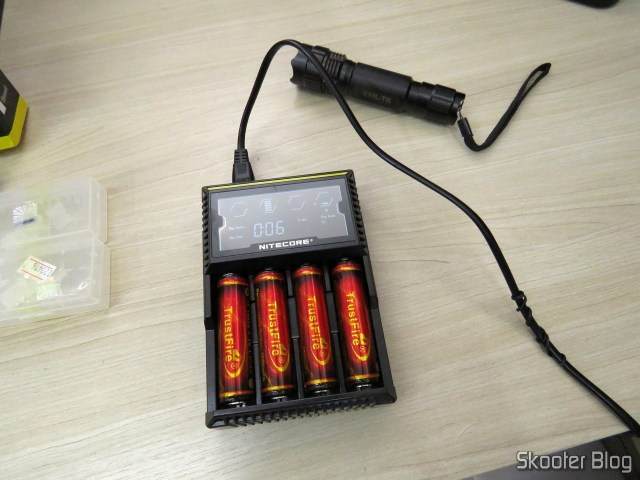 Nitecore Digicharger battery charger D4EU, for battery operation 18650.