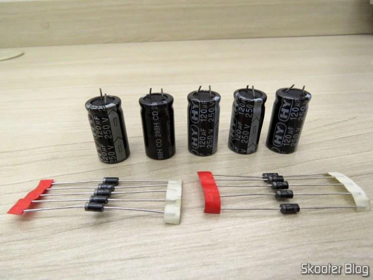 Kit 5 Capacitor Eletrolítico 120µf 250V + 10 Diodo IN5399