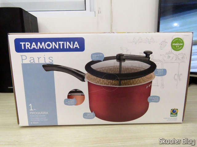 Non-stick aluminum popcorn Popper with 22 cm Paris Tramontina, on its packaging.