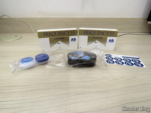 Lentes de Contato Asféricas Coopervision Frequency 55 Aspheric + Estojo para Lentes de Contato.