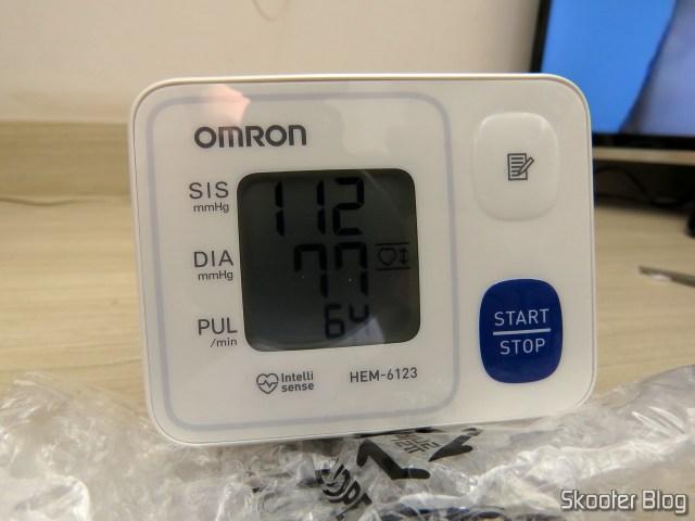 Aparelho de Pressão Omron Automático de Pulso HEM 6123.