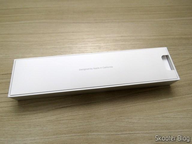 Apple Pencil para iPad MKC0C2LZ/A, em sua embalagem.