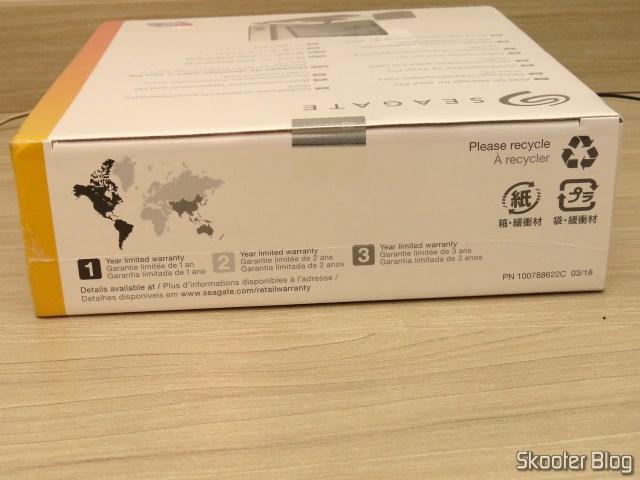Seagate Expansion Desktop 8 TB External USB Hard Drive 3.0 (STEB8000100), on its packaging.