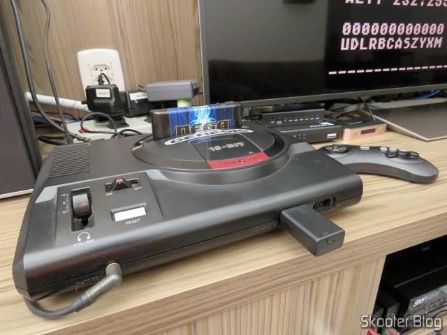 Joyzz em funcionamento no meu Sega Genesis.