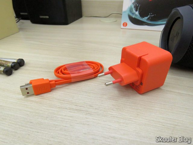 Charger and USB cable Bluetooth Speaker Portable JBL Charge 3.