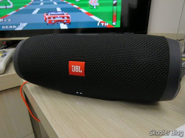 Speaker JBL Portable Bluetooth Charge 3, in funcionamento.Caixa Sound Bluetooth Portable JBL Charge 3, operation.