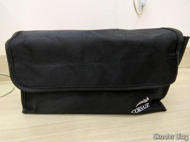 Bolsa com os Cabos da Fonte de alimentação Corsair RMi Series™ RM850i.