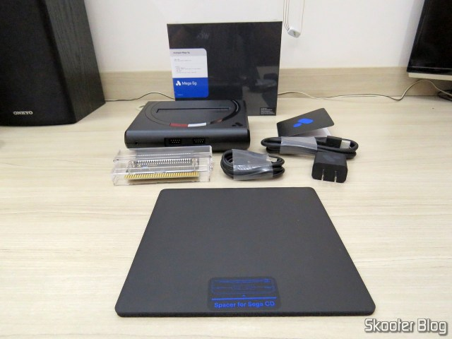Analogue Mega Sg, and accessories.