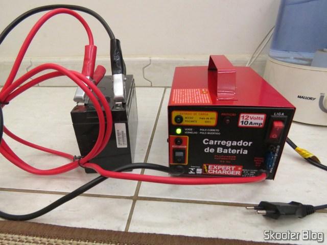 Teste do Carregador de Baterias 12V Expert Charger PR10, em uma bateria.
