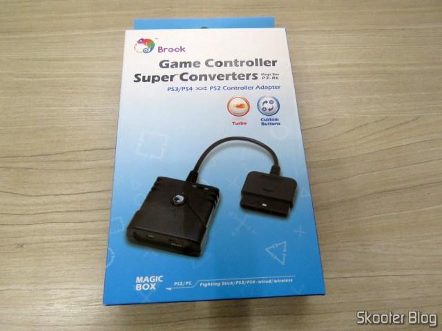 Adaptador de Controle Playstation PS3/PS4 para PS2/PS1/PC Brook Game Controller Super Converters Magic Box P2-BL, on its packaging.