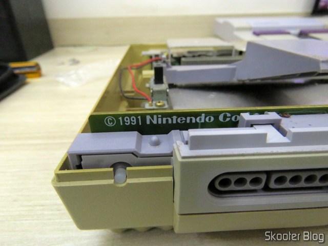 Meu Super Nintendo, aberto pela primeira vez em 27 anos.