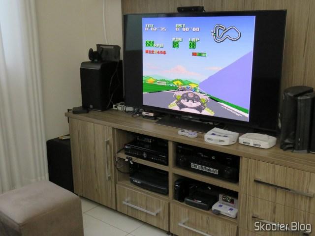 The Cartucho wasaki not perbike Challenge, the Super Nintendo, sendo testado após a limpeza.