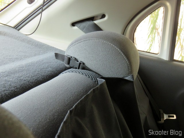 Protective Cover for Back Seat Pet & Car Waterproof Luxcar, installed.