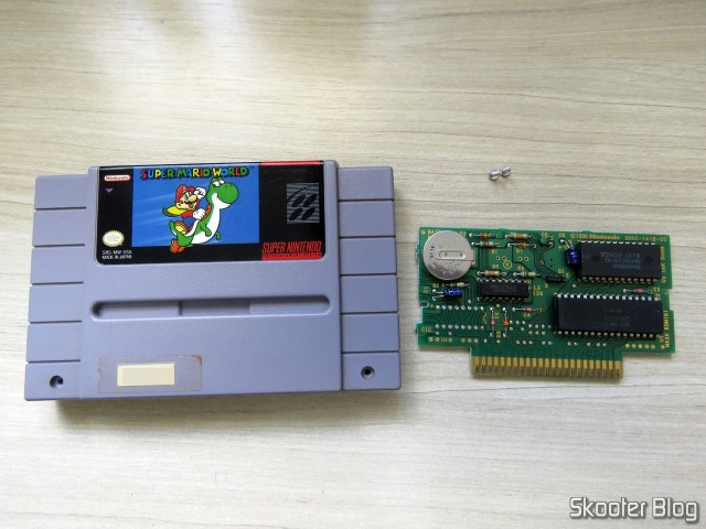Cartridge World Super Mario and his board, with CIC missing.