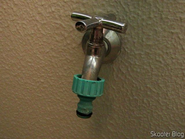 Anel de Vedação instalado no adaptador de uma torneira.