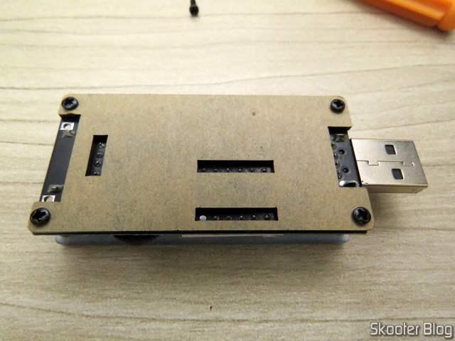 Controlador USB de Velocidade de Ventiladores (Fans) e Dimmer de LEDs ZK-BUFS 10W, após a montagem.