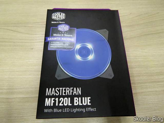Cooler Master Masterfan MF120L Blue 120mm 12cm LED Azul, on its packaging.
