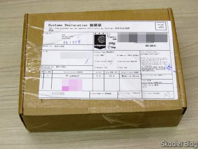 Caixa com 2º Controlador 8BitDo SN30 Sem Fio 2.4G para Super Nintendo (SNES) Original.