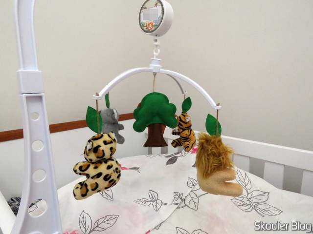 Mobile Baby Crib Musical and Spinning Forest Animals, operation.