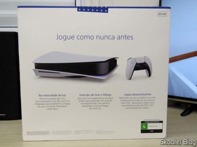 PlayStation 5 (PS5) em sua embalagem.
