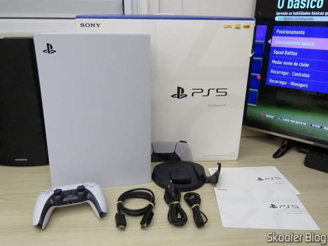 PlayStation 5 (PS5) e seus acessórios.