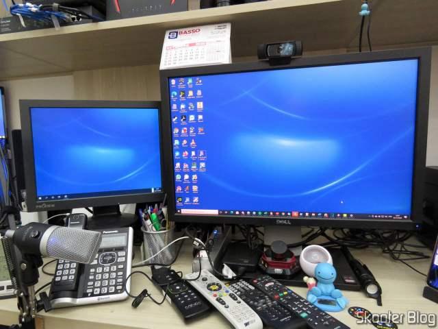 Trabalhando com 2 telas simultâneas: VGA e DisplayPort.