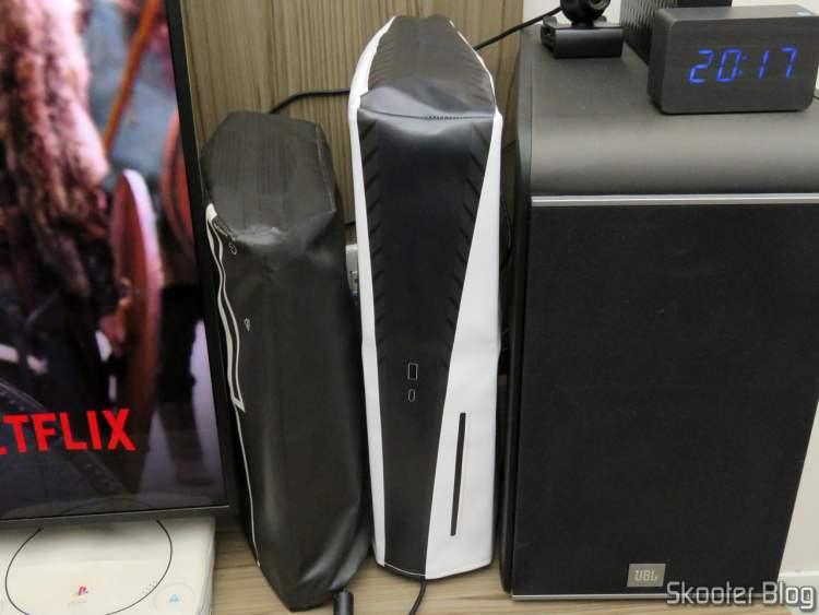 Capa para o Playstation 5 (PS5) Printer Boy Branca Vertical (Playstation 5 | White Dust cover – Vertical), no meu PlayStation 5.