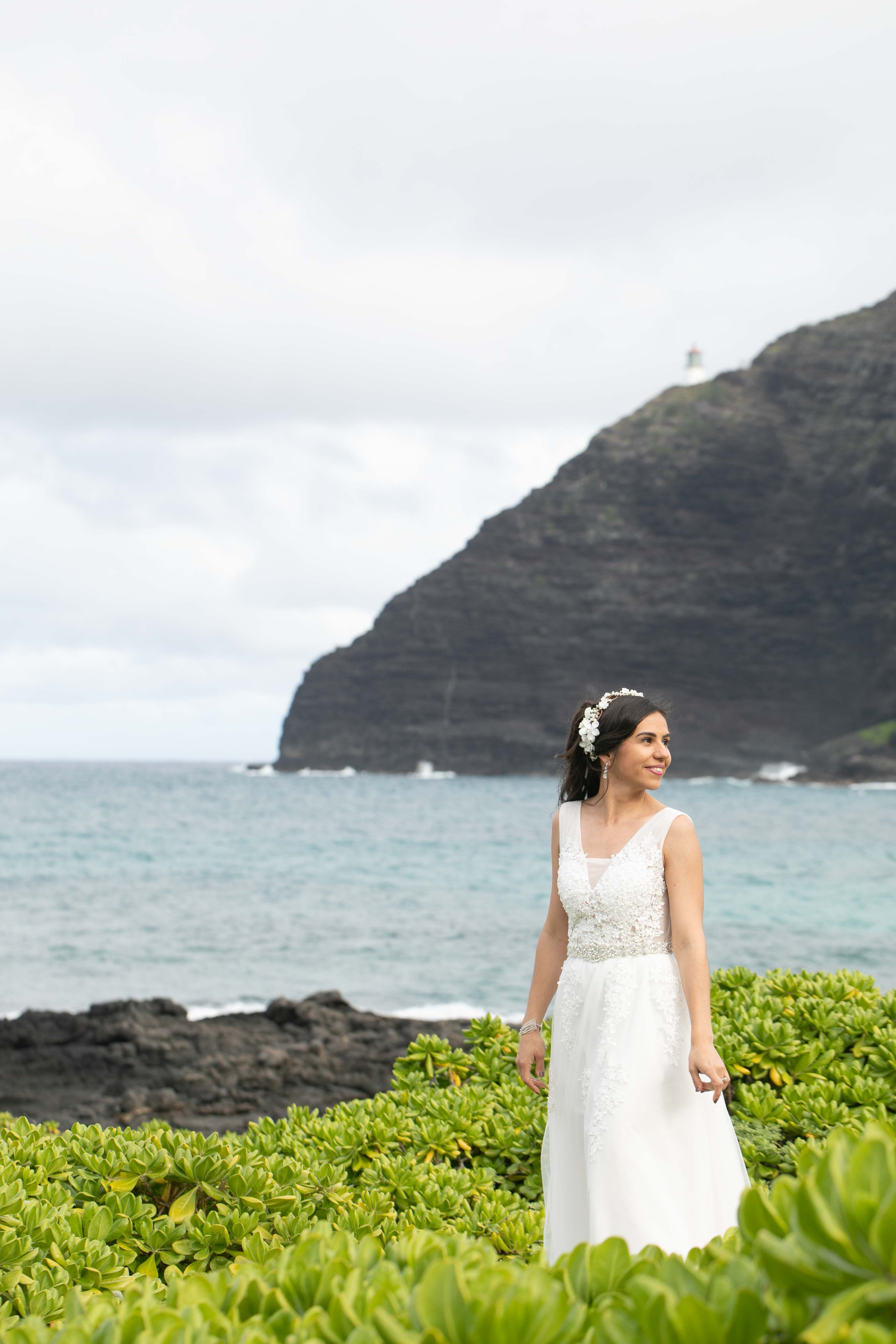 bride portrait on oahu beach