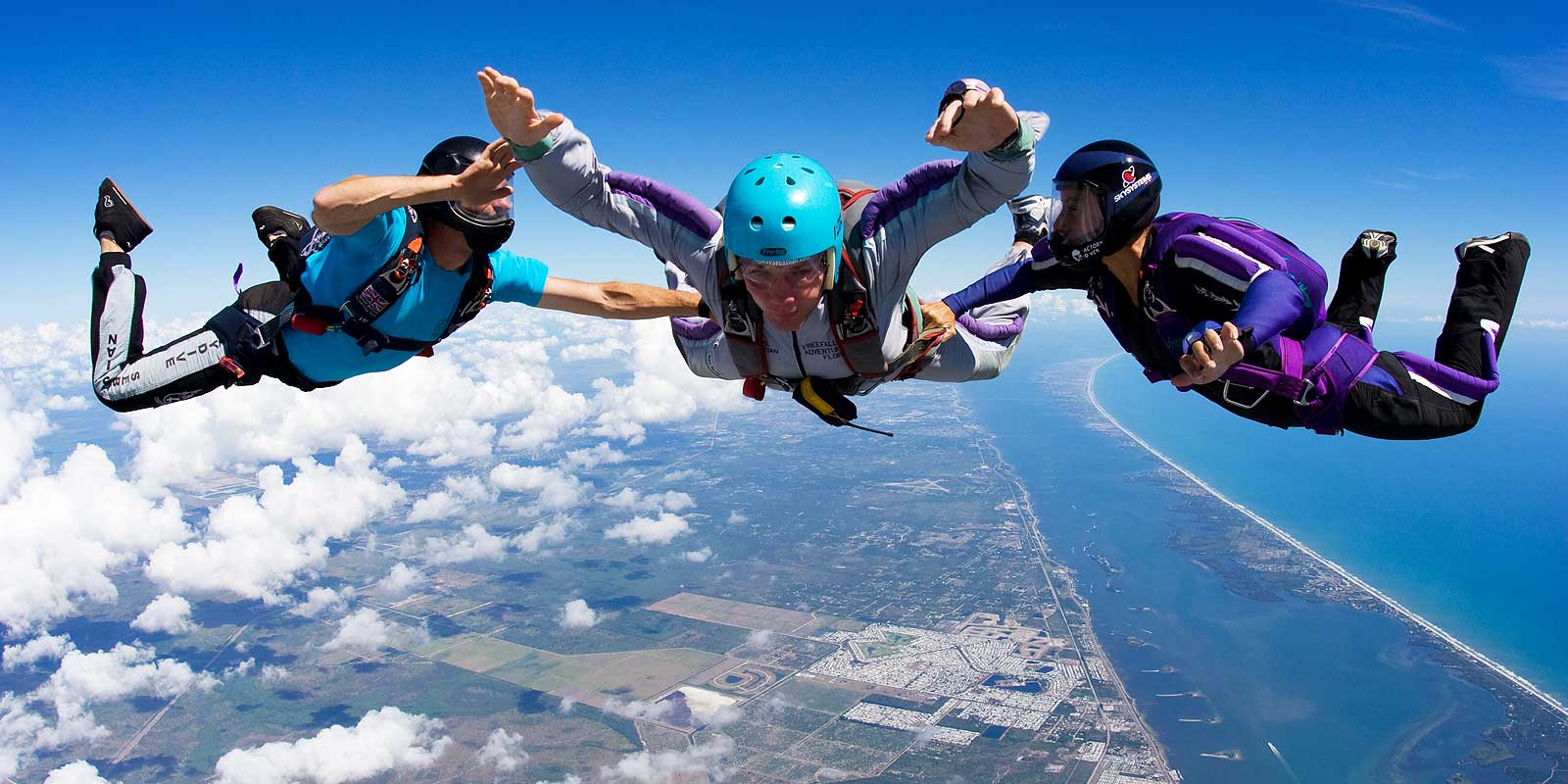 """7bd79006 Learn To Skydive and Qualify for your USPA """"A"""" License in a Week!"""