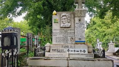 Fancy Grave in Bellu Cemetery