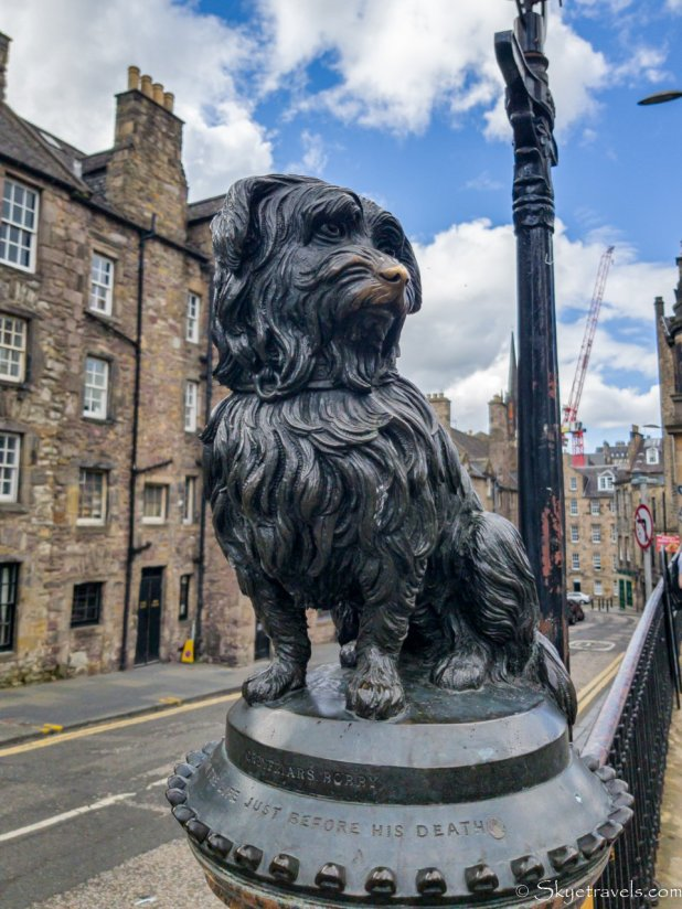 Statue of Greyfriar's Bobby on Candlemaker Row