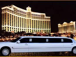 Milano di notte limousine Milano: cosa fare nella capitale della moda