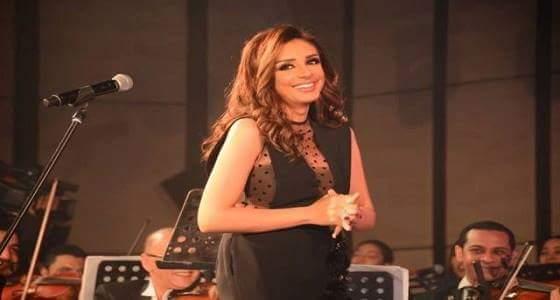 بالصور : أنغام تحتفل بعيد ميلادها مرتين في ليلة واحدة خلال حفل خيرية