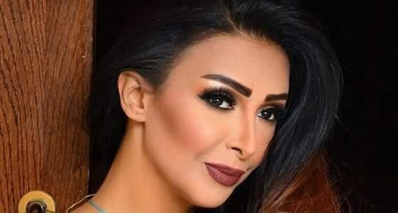 بالصور..المطربة شاهيناز تكشف سر خلعها الحجاب