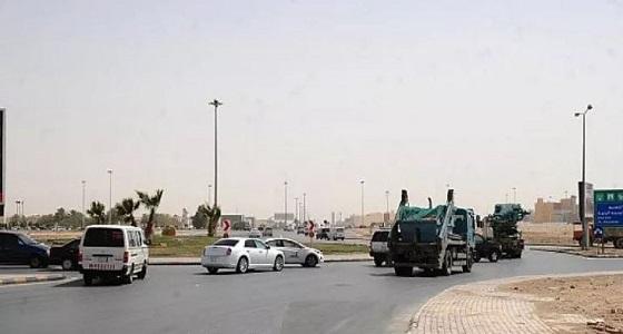 """"""" مرور الرياض """" تبحث حلولا مؤقتة لمشكلة ازدحام دوار مستشفى المملكة"""