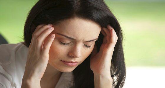دراسة تكشف مشكلة المرأة مع الصداع