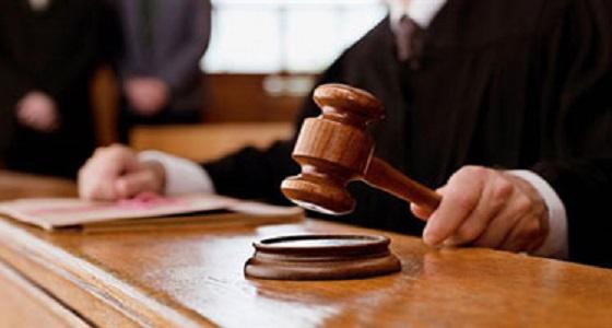 التحقيق مع موظف بسجن العاصمة المقدسة لتهريبه ممنوعات