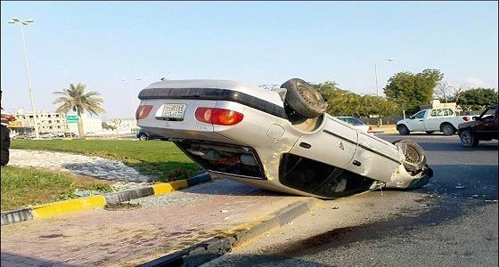 """إصابة 2 إثر انقلاب مركبة بـ """" رنية """" في مكة"""