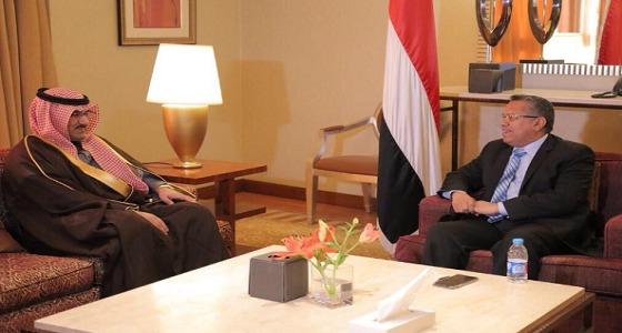 رئيس الوزراء اليمني يستقبل سفير المملكة
