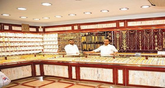 مستشار وزير العمل والتنمية الاجتماعية يتفقد أسواق الذهب في مكة