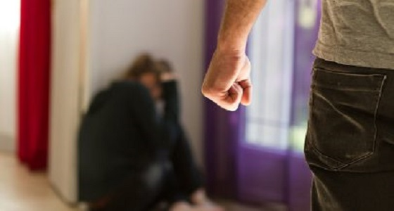 شاب يصيب معلمة اختطفها بمرض جنسي عقب التعدي عليها مرتين