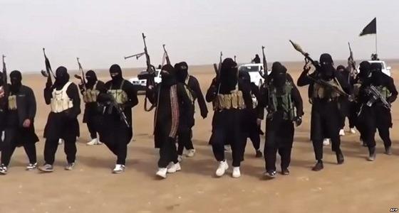 """"""" داعش """" يتبنى الهجوم الإرهابي على مطار العريش بمصر"""