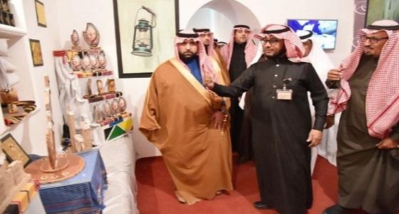 """نائب أمير جازان يتفقد قرية جازان التراثية بمهرجان """" الجنادرية 32 """""""