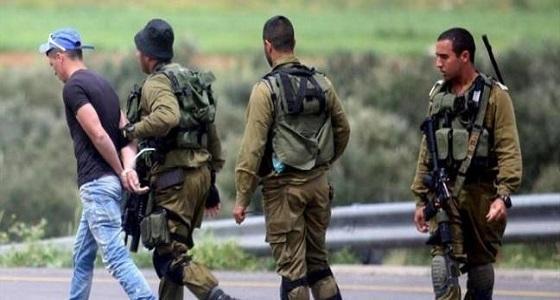 قوات الاحتلال الإسرائيلي تعتقل فلسطينيين من محافظة الخليل
